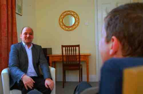 Comment l'hypnothérapie peut-elle aider les patients du COVID 19 en quarantaine ?